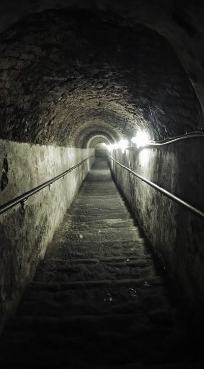 Abgang Treppe zu Napoli Sotteranea nach dem Eingang