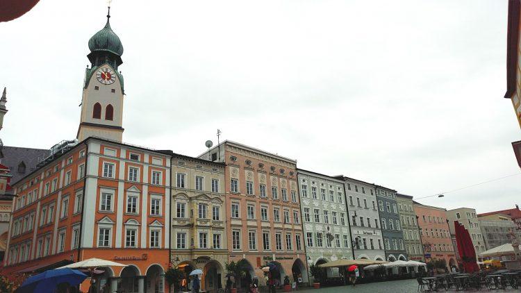 Rosenheim Stadtplatz Max-Josef-Platz St.-Nikolaus-Kirche Kirchenturm