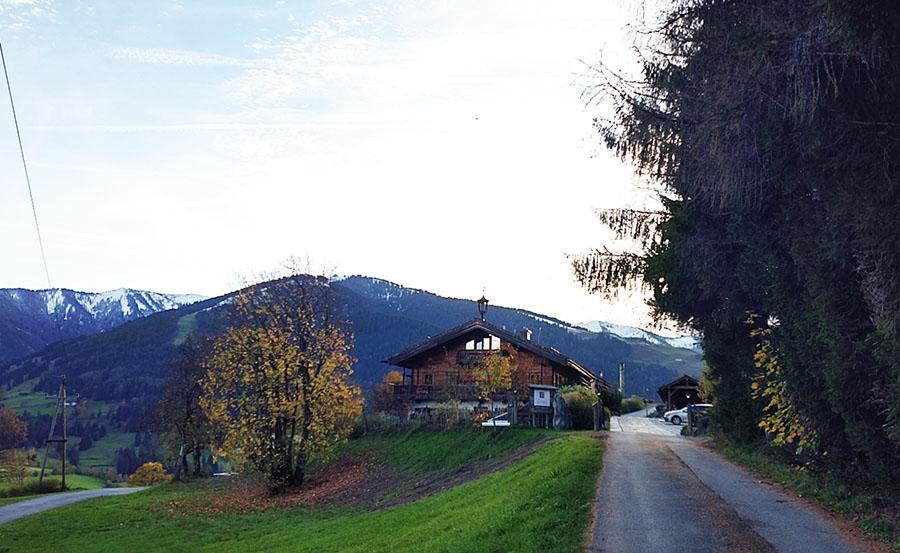 Huwi's Alm Huette Almhuette Zufahrt Aussenansicht