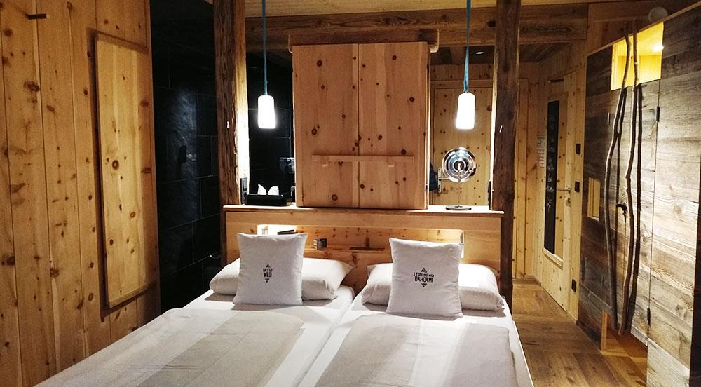mama thresl Zimmer Woodenstyle Bett