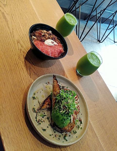 Ein Tag in London, Frühstück