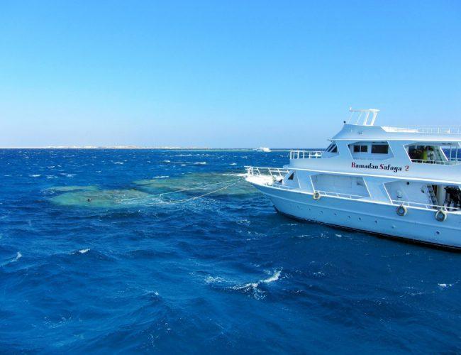 Das Tauchboot in Ägypten, Soma Bay, bei der Tauchausfahrt, Riff, Wanderhunger, Tauchurlaub
