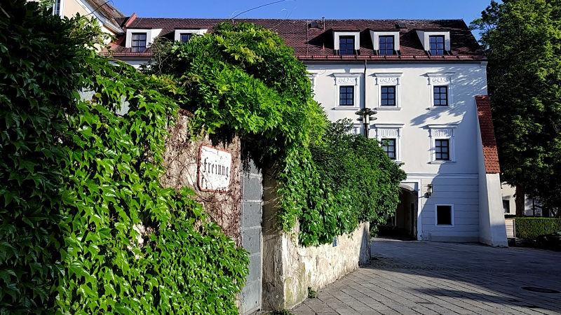 Schloss Polheim Pollheim auf der Freiung in Wels, ein Tag in Wels, Wanderhunger