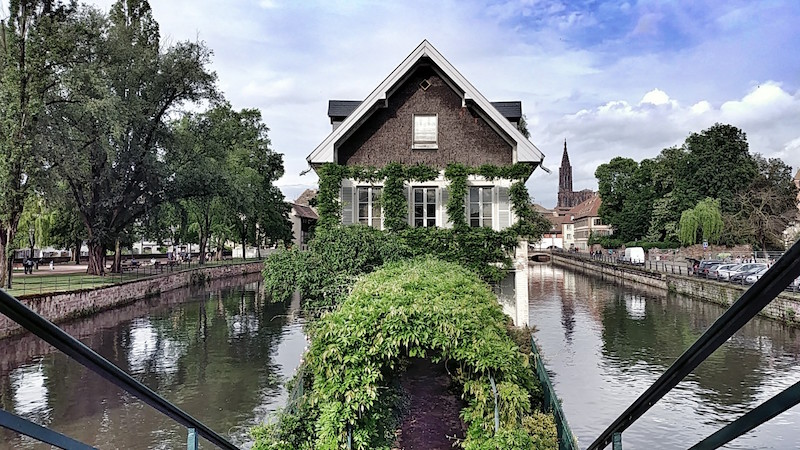 Zwei Ill-Kanäle in Strassburg bei den Ponts Couverts, Münster im Hintergrund, Wanderhunger, Fotostrecke