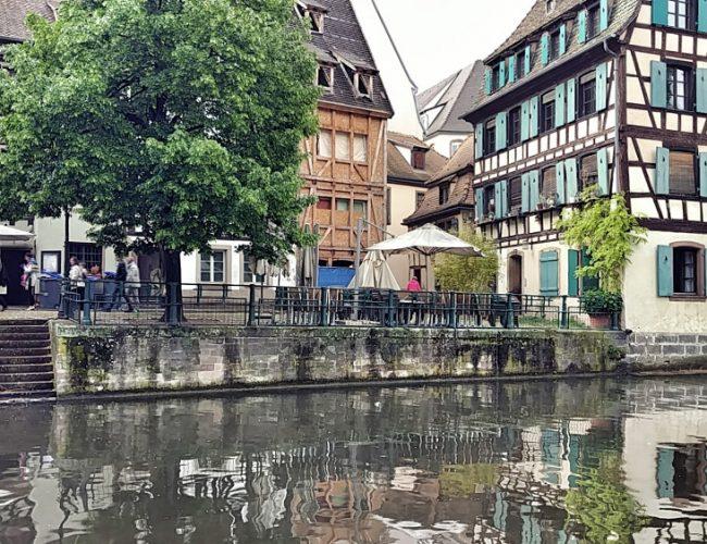 In La Petite France in Straßburg, Pause am Kanal, Tipps für ein Wochenende in Straßburg,Wanderhunger