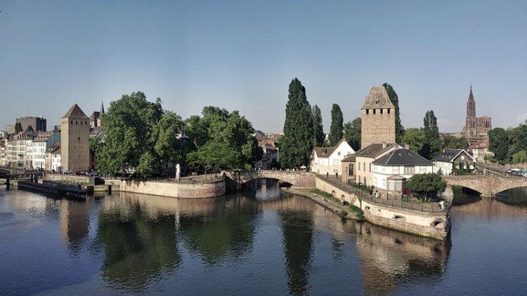 Blick auf die Ponts Couverts von der Barrage Vauban, Strassburg, Wanderhunger