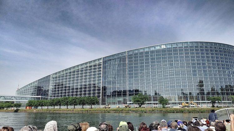 Bootsfahrt mit Batorama auf der Ill, Europaparlament, Wanderhunger, Fotostrecke