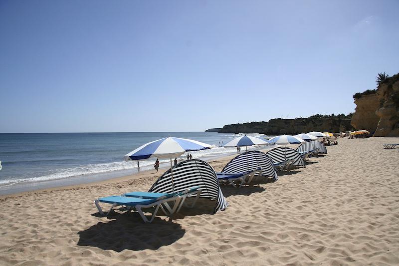 Sonnenschutz im Urlaub, Strand, Beachchairs, Wanderhunger