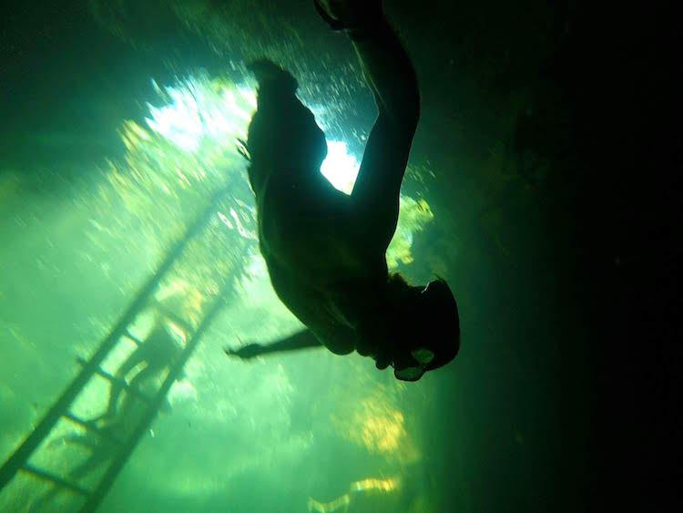 Lukas Zettl beim Freediving bzw. Apnoetauchen. Wanderhunger, 7 Fragen