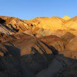 Felsformationen im Deathvalley im Abendrot. Wanderhunger. Von Monterey in's Death Valley