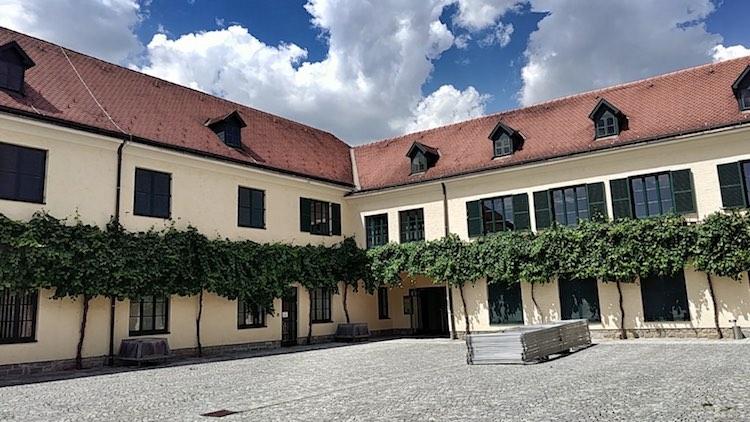Der renovierte Bauernhof, in dem die Winzer krem ihren Hauptsitz haben. Wanderhunger