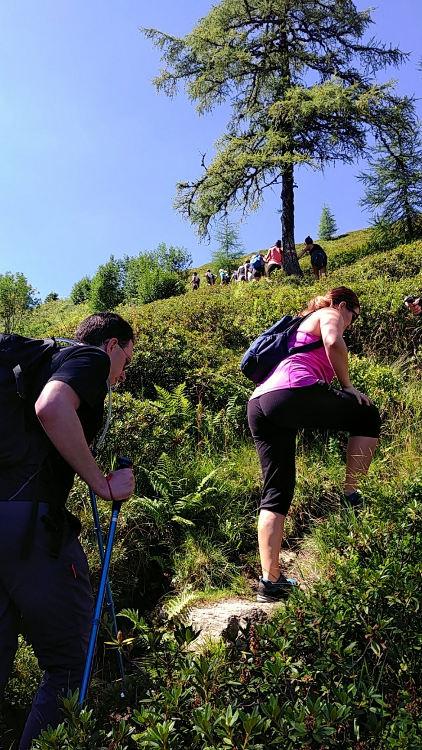 Wanderung während Yoga auf der Alm zum Gumpeneck. Wanderhunger