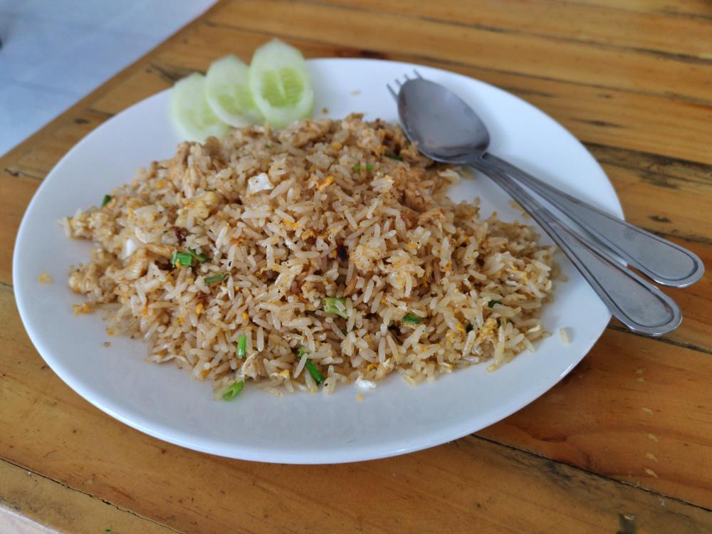 Auch in Thailand wird überall auf Street Food Märkten und in Restaurants Fried Rice serviert. Wanderhunger