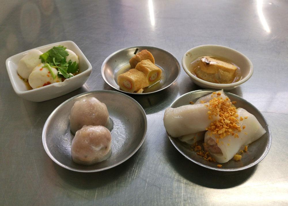 So sieht Frühstück auf chinesisch aus: ampfende frische Dim Sum im Boonrat Dim Sum in Phuket. Wanderhunger