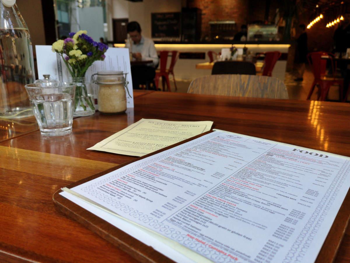 Das Ra.Ft Cafe Bistro in Kuala Lumpur KLCC ist ein sehr gediegenes und angenehmes Frühstückslokal und Bistro. Wanderhunger