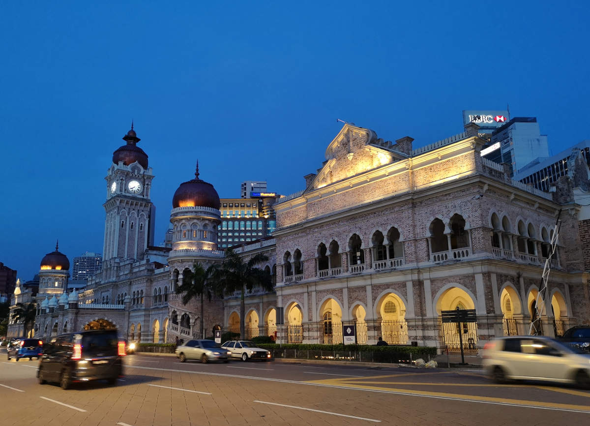 Das dem Merdeka Square in Kuala Lumpur gegenüberliegende Sultan Abdul Samad Building beherbert zwei malaysische Ministerien. Wanderhunger