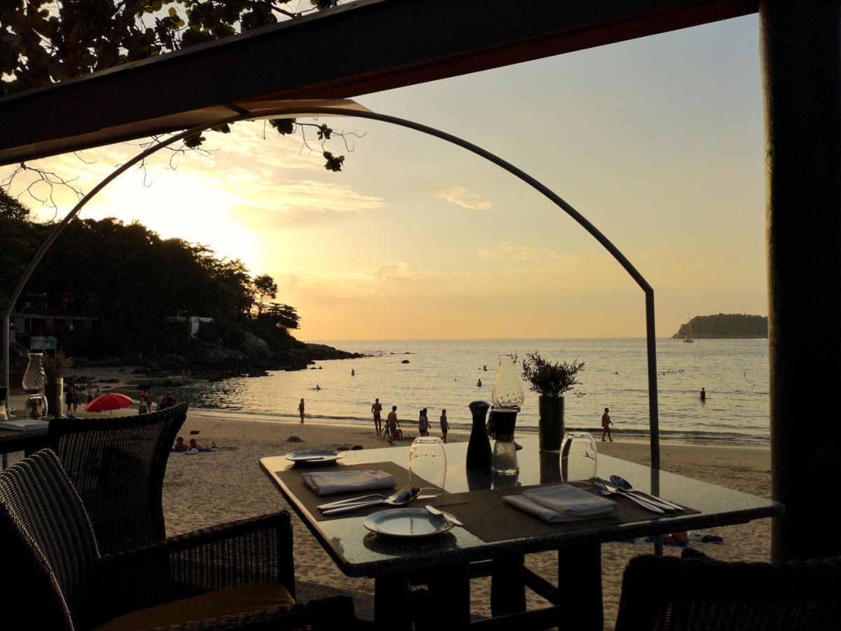 Wer sich einen romantischen und gehobenen Abend gönnen will ist im Restaurant The Boathouse in Kata Beach ideal aufgehoben. Perfekter Urlaubstag auf Phuket. Wanderhunger