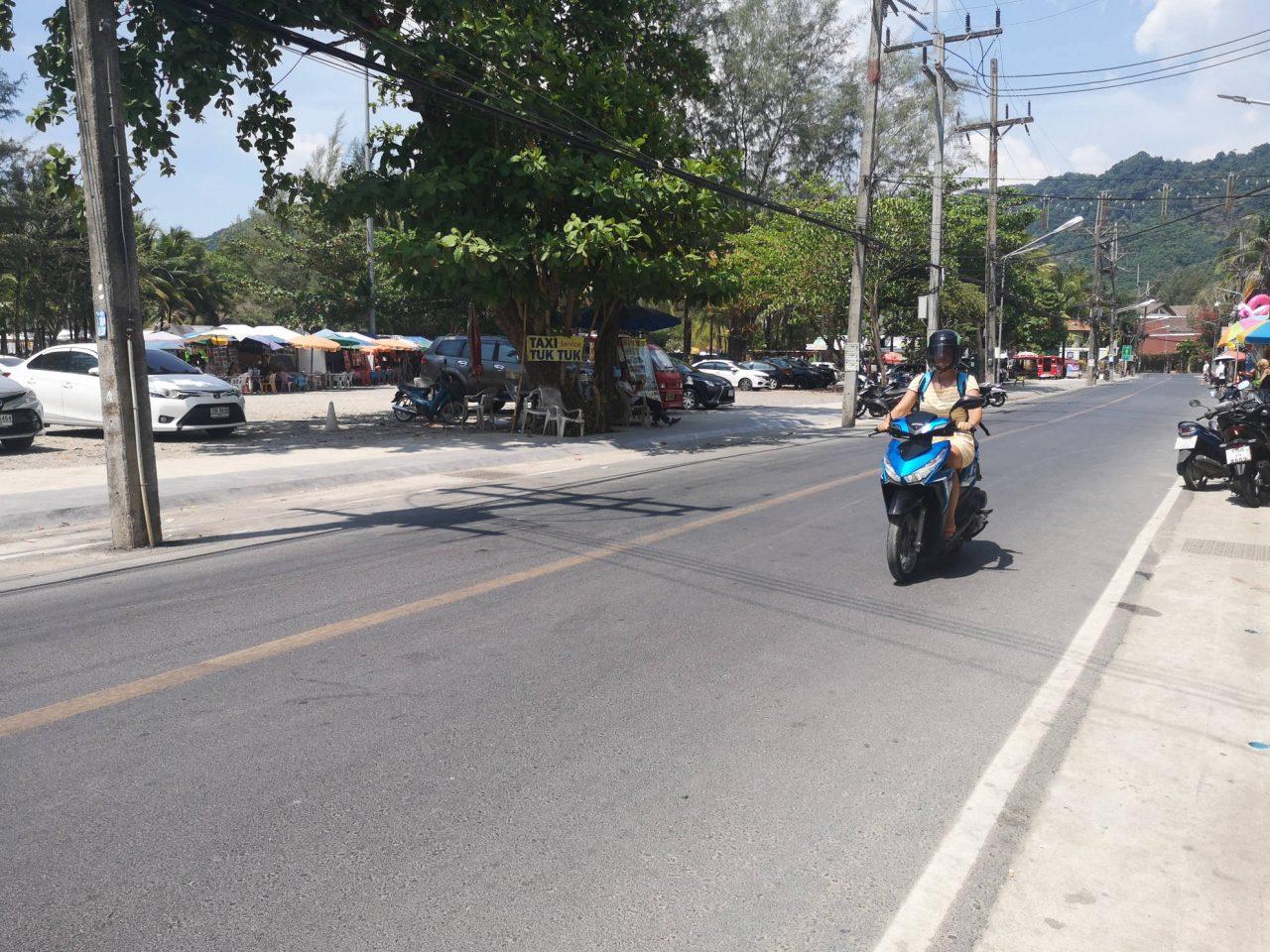 Wie man in Thailand überlebensfähig Motorroller fährt