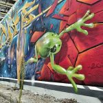 Street Art / Graffiti / Murals / Paste Ups in Berlin. Elsenbrücke. Frosch. Wanderhunger